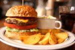 そのハンバーガーは見るからに食欲を刺激する【カフェ&パン屋 エスケール】【西宮市山口町】